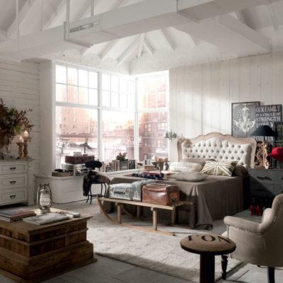 camera da letto classica con tappeto